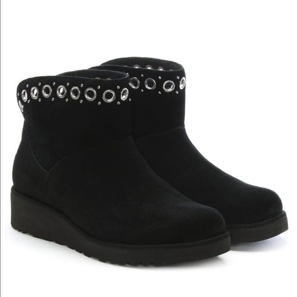 09afd78a8fb3  NEW  UGG Riley Black Suede Mini Boot w Grommets